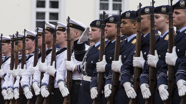 Gjermania në ndjekje të ekstremistëve në radhët e ushtrisë