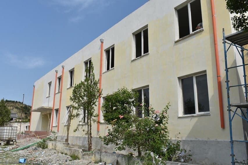 Gati shkolla e re në Baldushk, pamje nga godina
