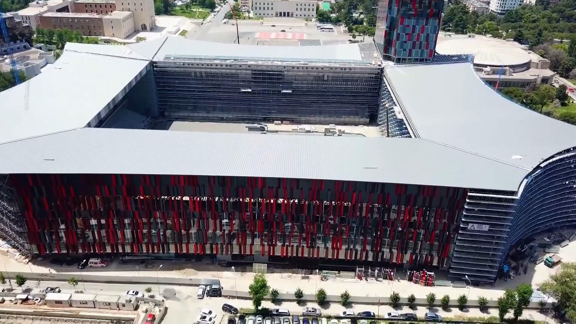 """""""Arena Kombëtare"""", fusha nuk është ende gati"""