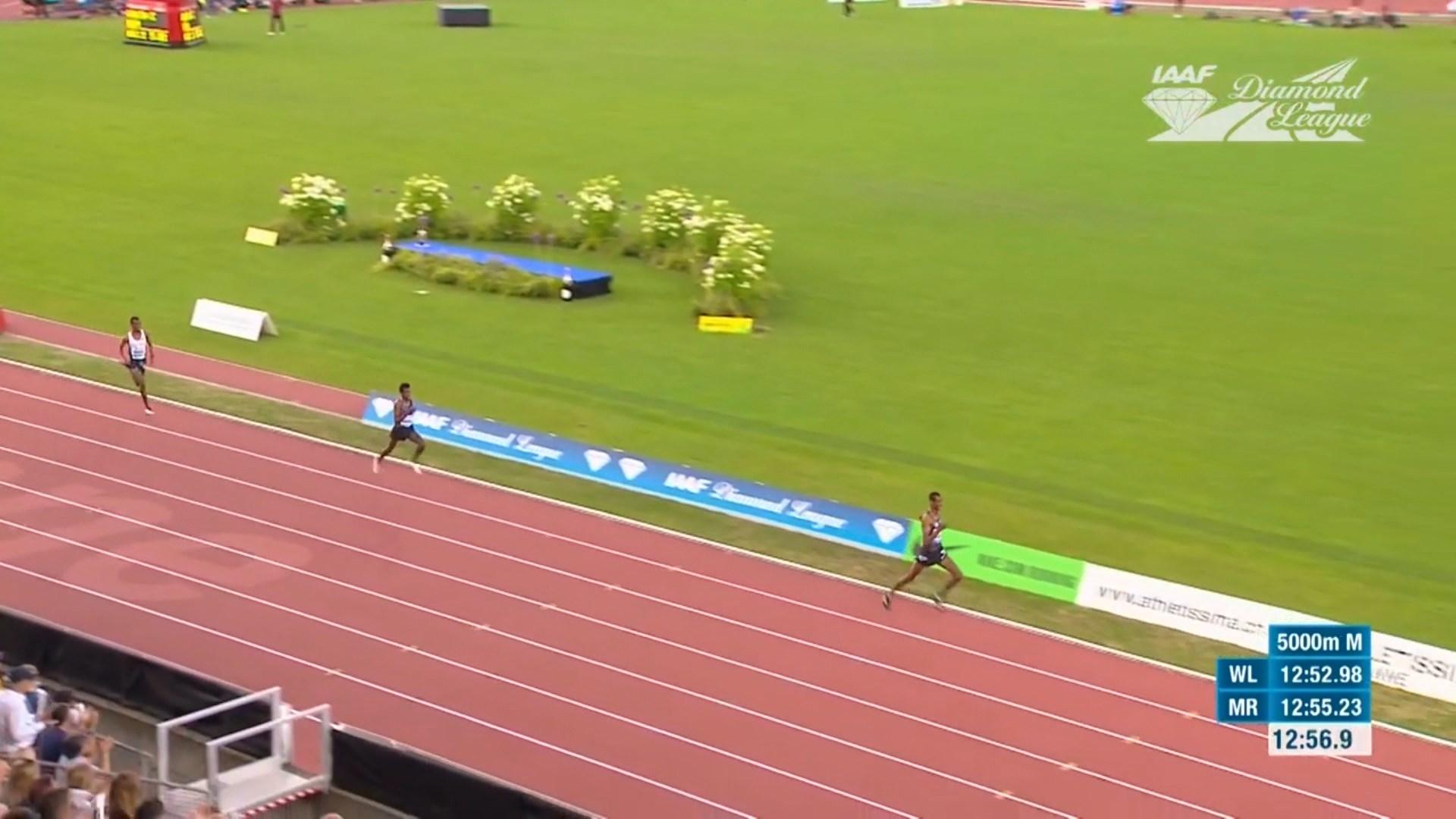 Atleti nga Etiopia harroi xhiron e fundit, humbi në mënyrë qesharake garën