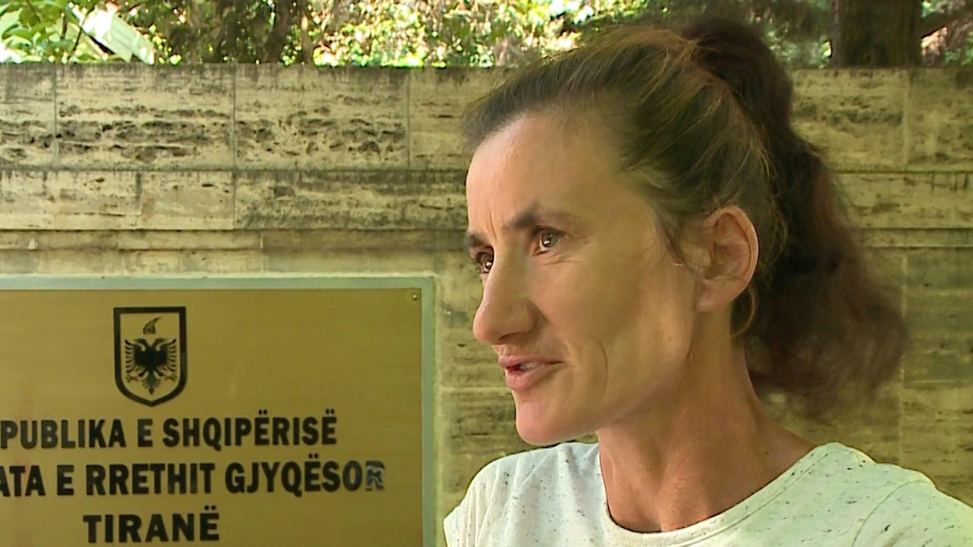 Dhuna në familje, Elisabeta Picari rrëfen tmerret e përjetuara nga ish burri
