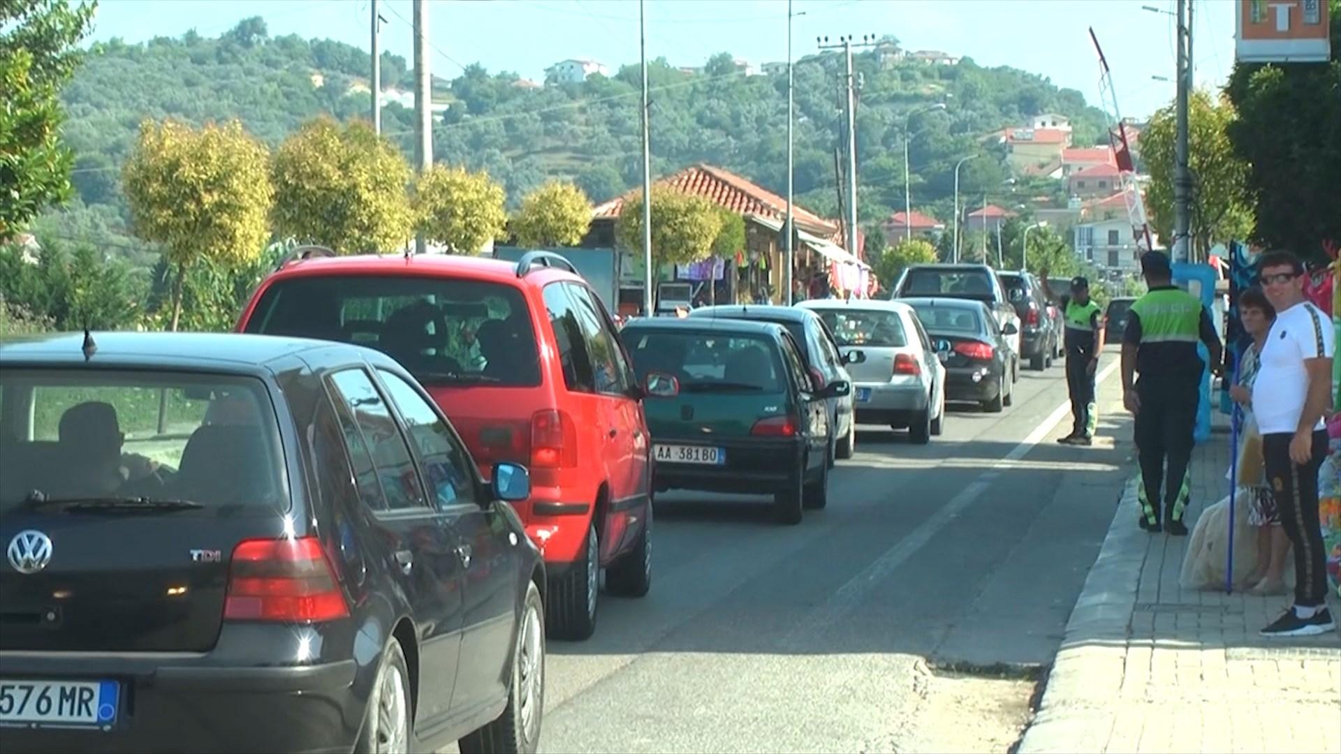 Trafiku i rënduar në aksin Maminas-Gjiri i Lalzit
