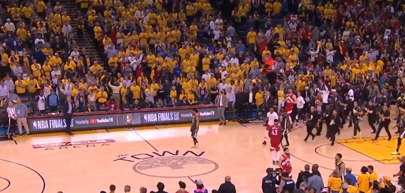 Koui Leonard synon titullin e tretë në NBA