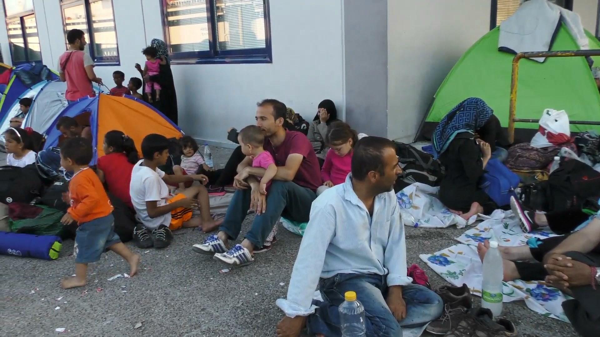 Qeveria greke i jep prioritet trajtimit të flukseve të emigrantëve dhe refugjatëve