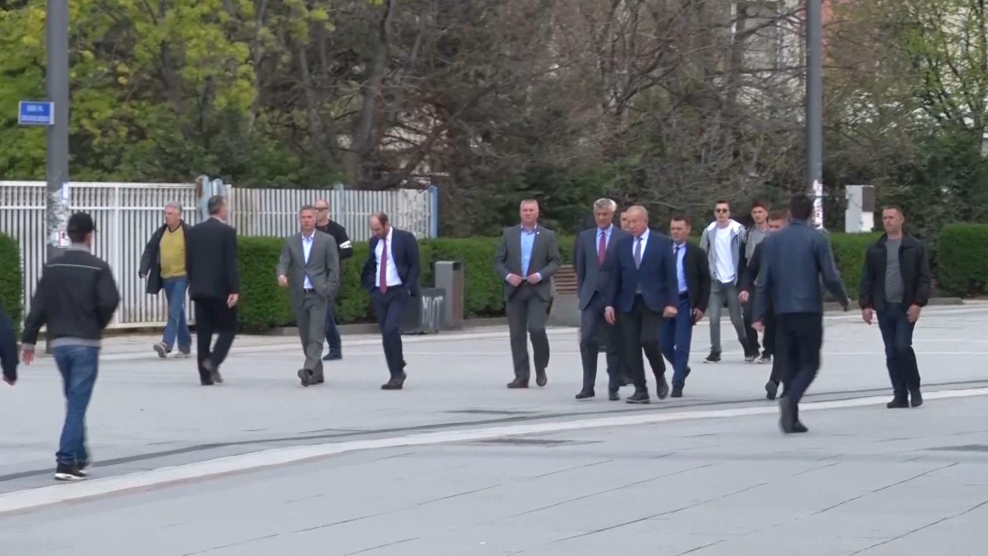 Kosova ende në dilemë mes zgjedhjeve të parakohshme dhe qeverisë teknike
