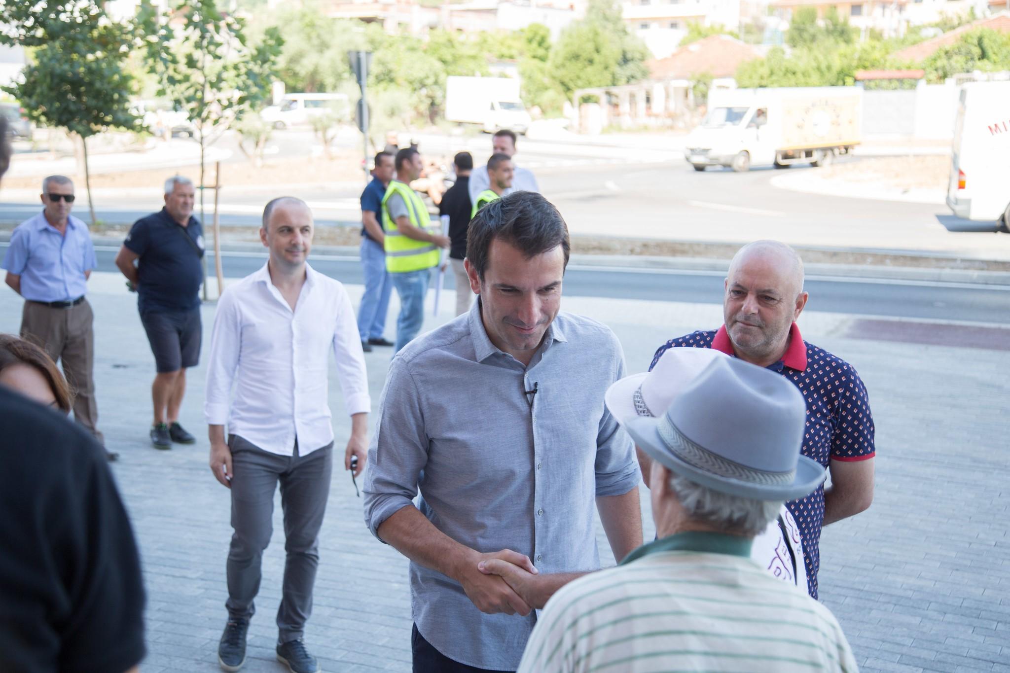 Veliaj: E mbajtëm fjalën për ndërtimin e rrugës Yzberisht-Kashar