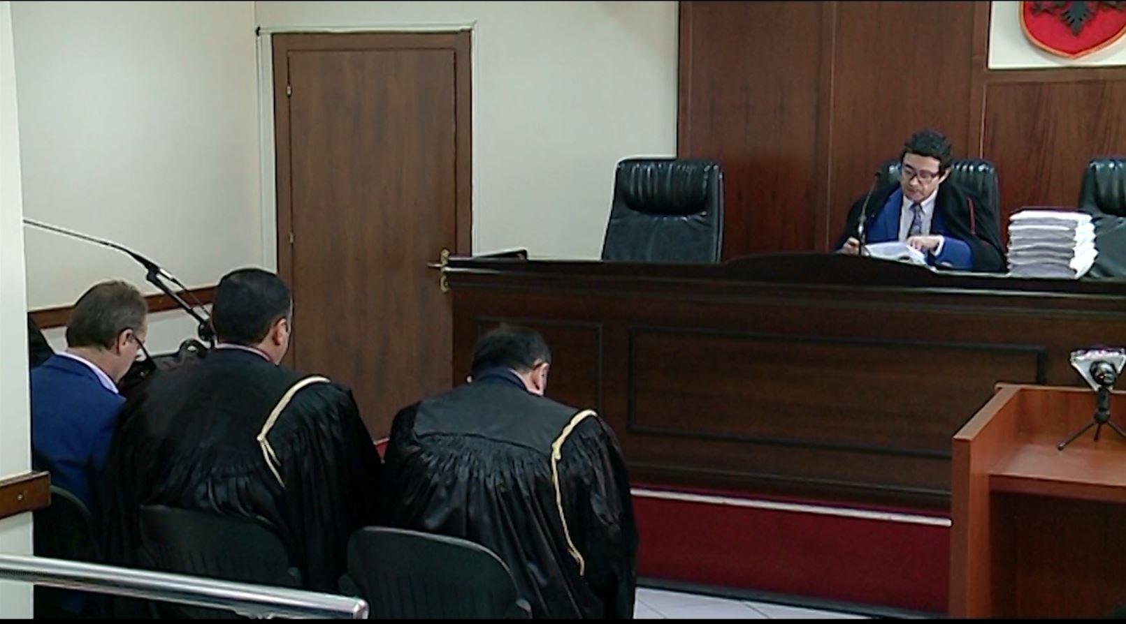 Gjykata e Vlorës pushon çështjen për ish-kryebashkiakun Shpëtim Gjika