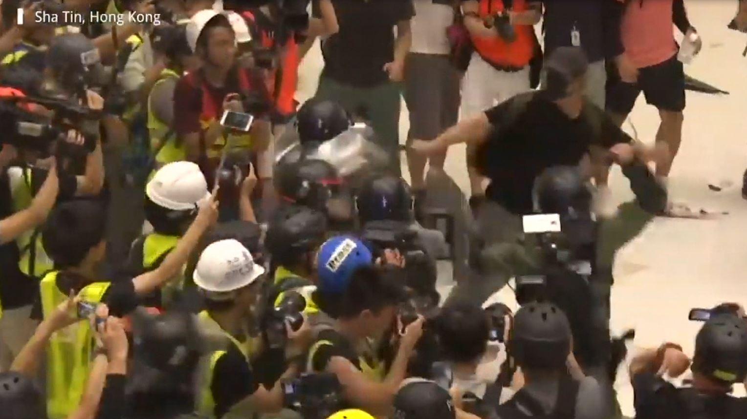 Të moshuarit protestojnë në Hong Kong
