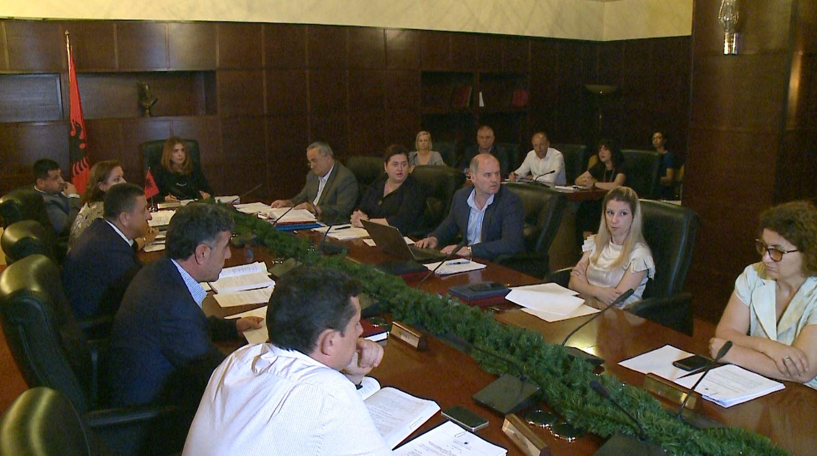 Gara për tre anëtarë të Gjykatës së Lartë, KLGJ miraton vetëm 8 kandidatë