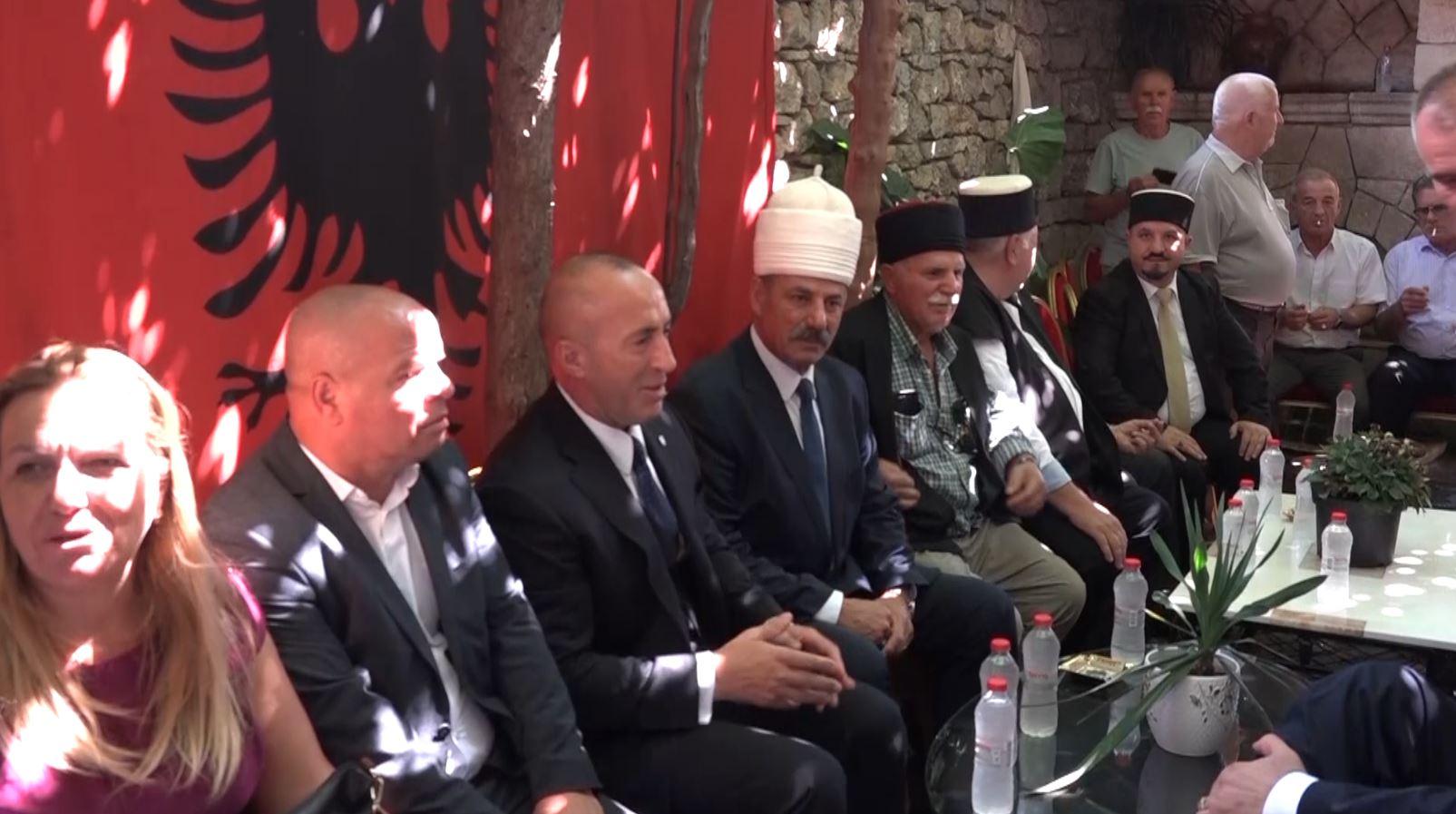 Analistët: Ramush Haradinaj po shkel kushtetutën, tashmë është ish-kryeministër