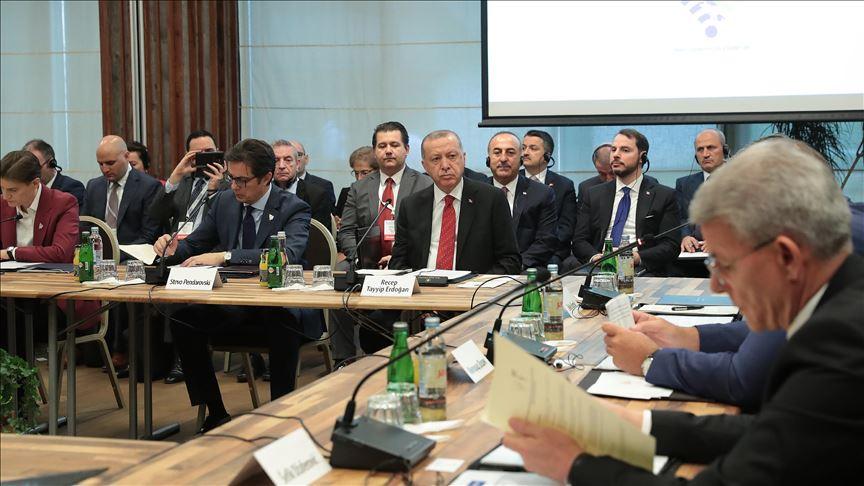 Erdoğan: Vendimet e BE-së për Shkupin dhe Tiranën ndikojnë në rajon