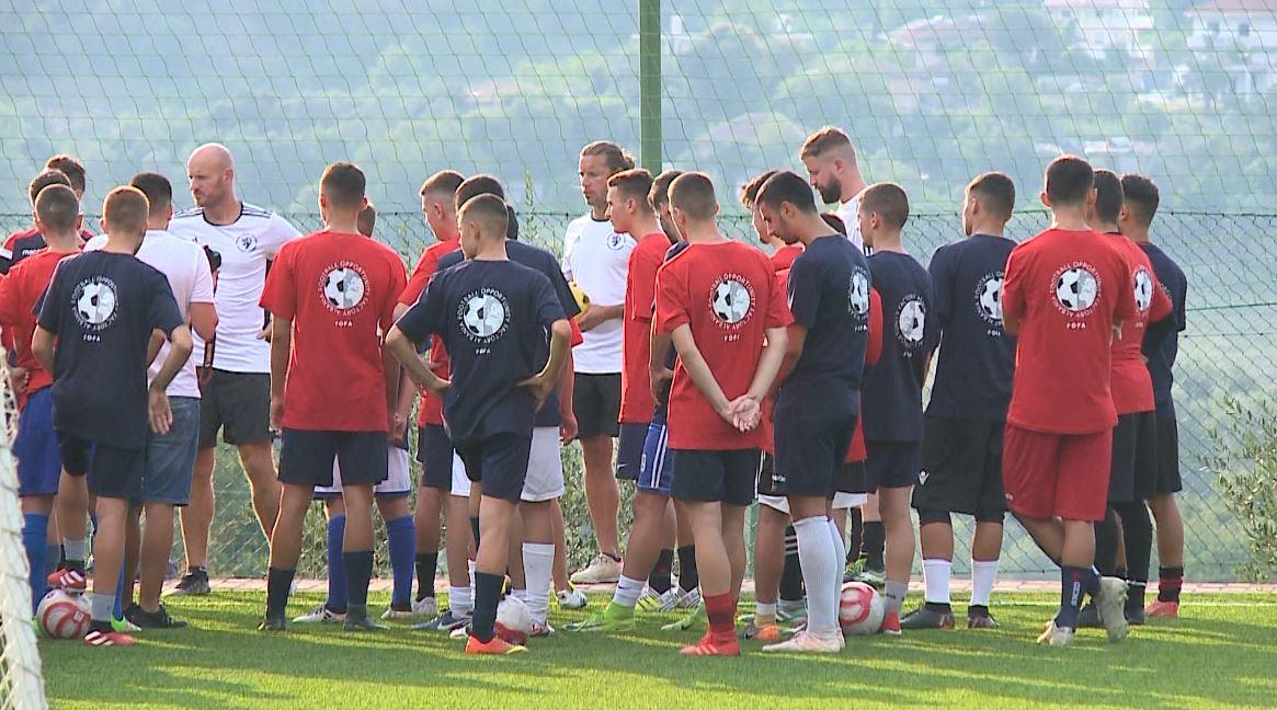 Kompania FOFA, negociata për të sjellë agjenci të huaja për trajnimin e talenteve