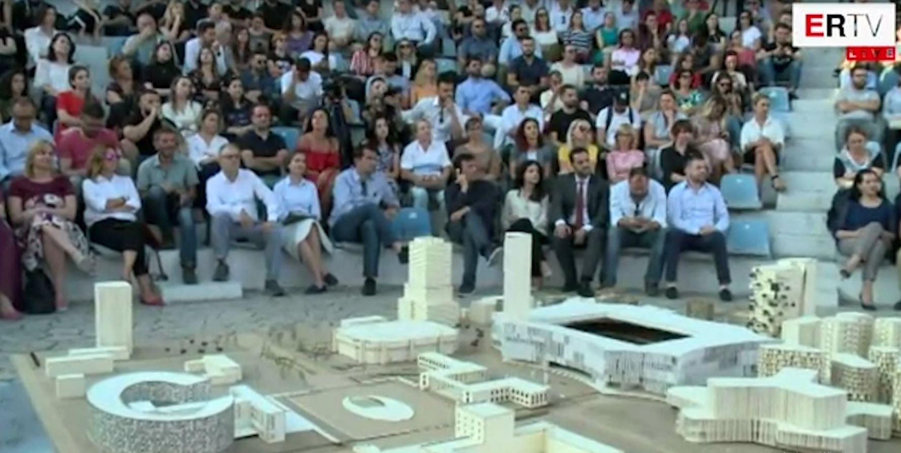 Veliaj prezanton shtëpinë e re të arteve: Pas protestës, është koha për punë