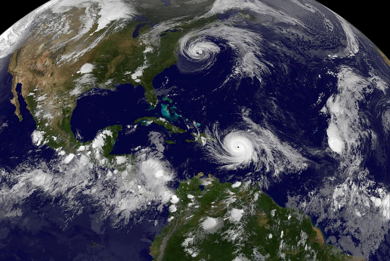 "Uragani ""Dorian"", autoritetet amerikane shpallin gjendjen e alarmit"