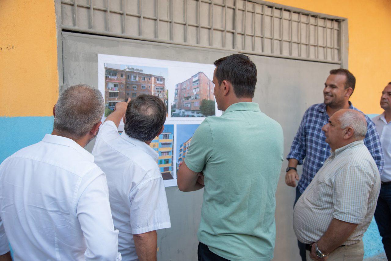 Erion-Veliaj-gjate-inspektimit-te-pallatit-te-financuar-nga-Fondi-i-Komunitetit-3-1280x854.jpg