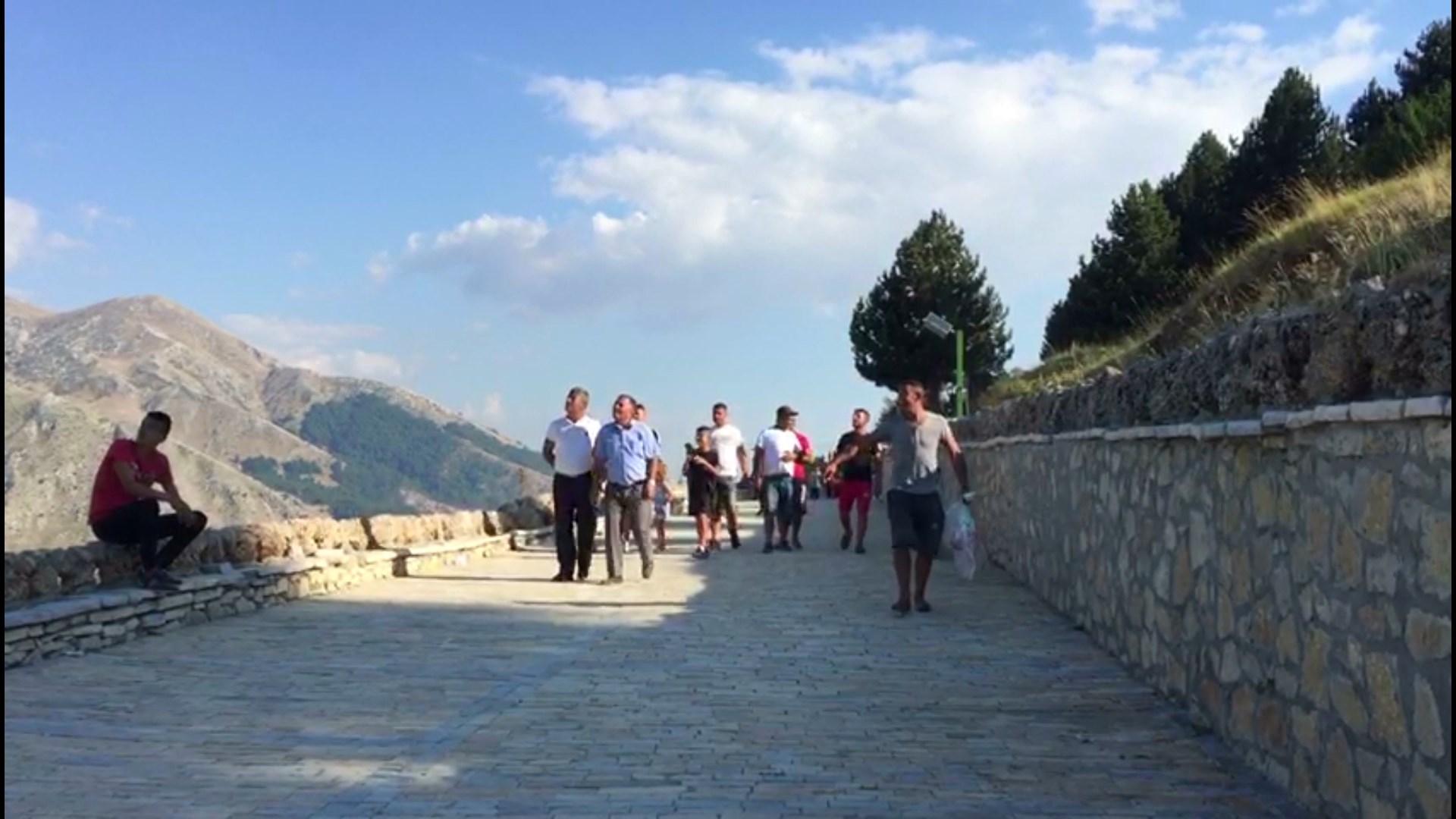 Pelegrinazhi në malin e Tomorrit, mijëra besimtarë në teqenë e Kulmakut