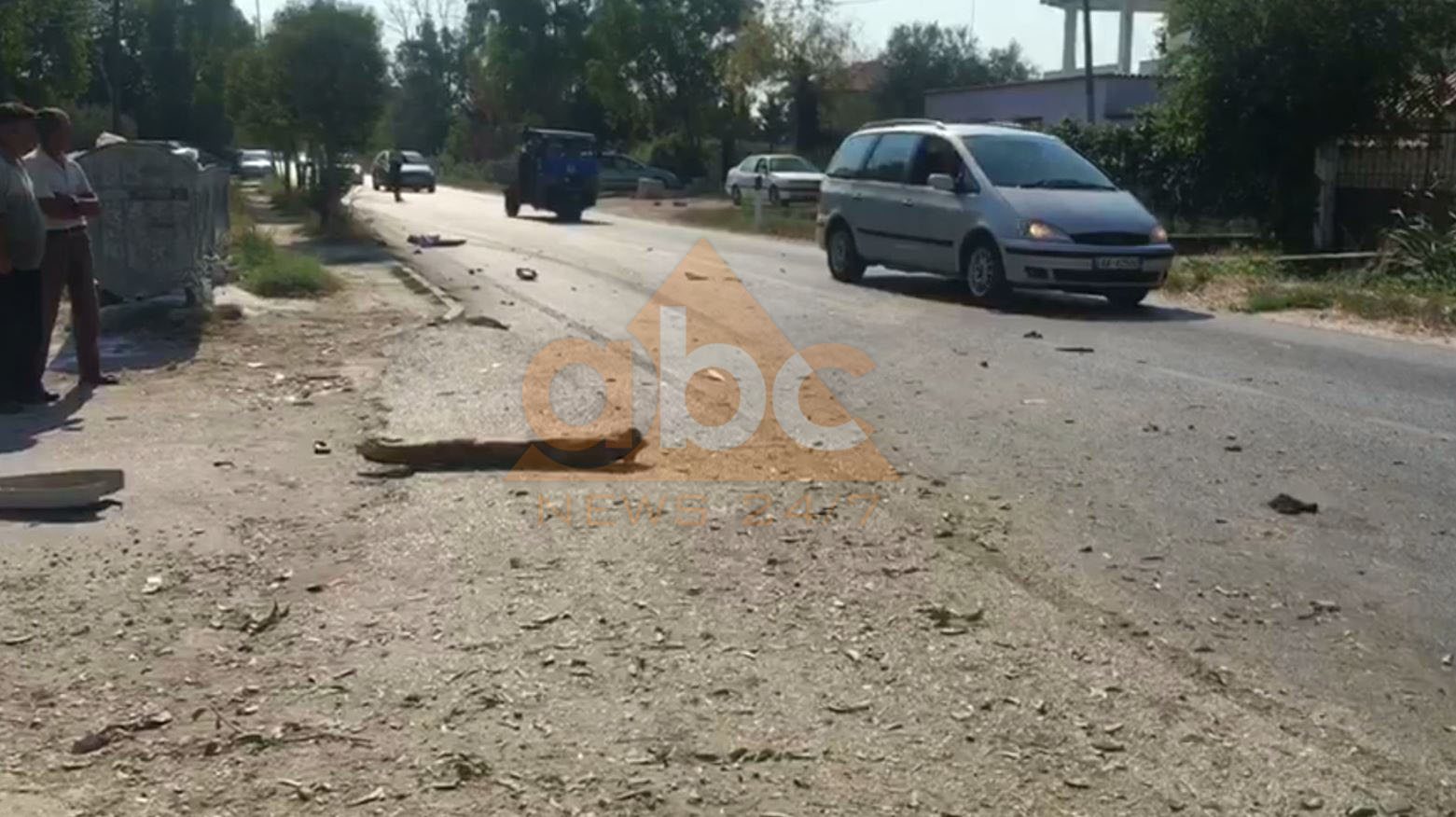 Aksident tragjik në Fier, djali dhe nëna përplasen nga fuoristrada