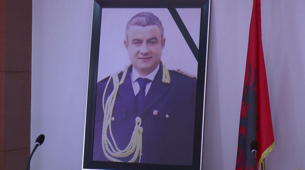 Titull kryekomisarit të vrarë në atentat