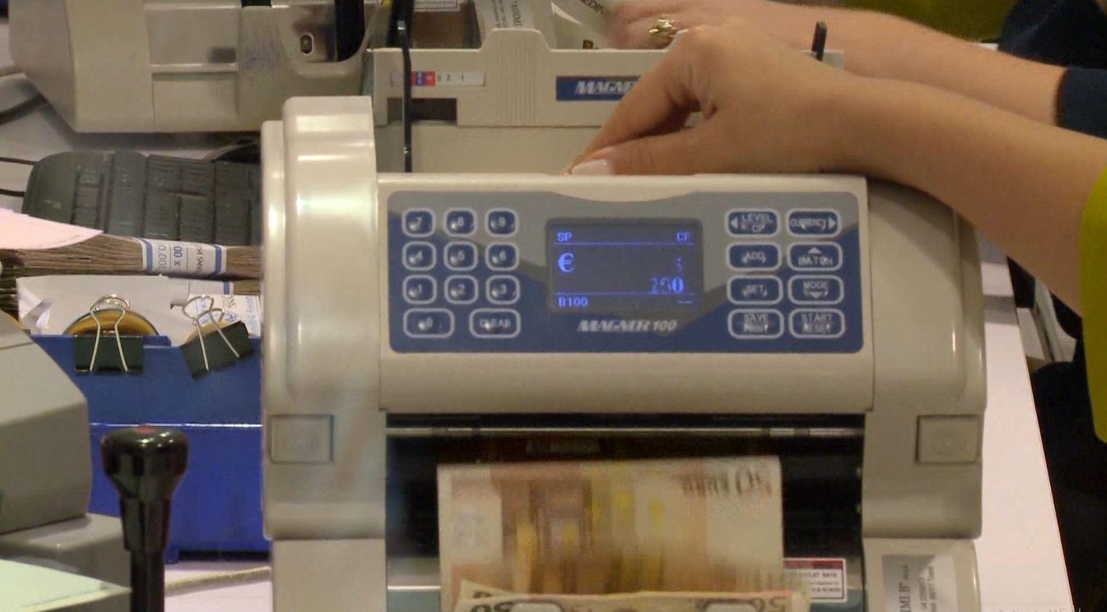 Vlerësim pozitiv për ekonominë shqiptare, Moody's dhe S & P japin serish B+