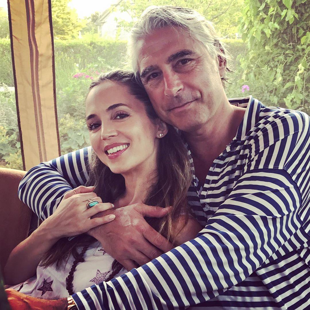 Aktorja shqiptare bëhet nënë për herë të parë