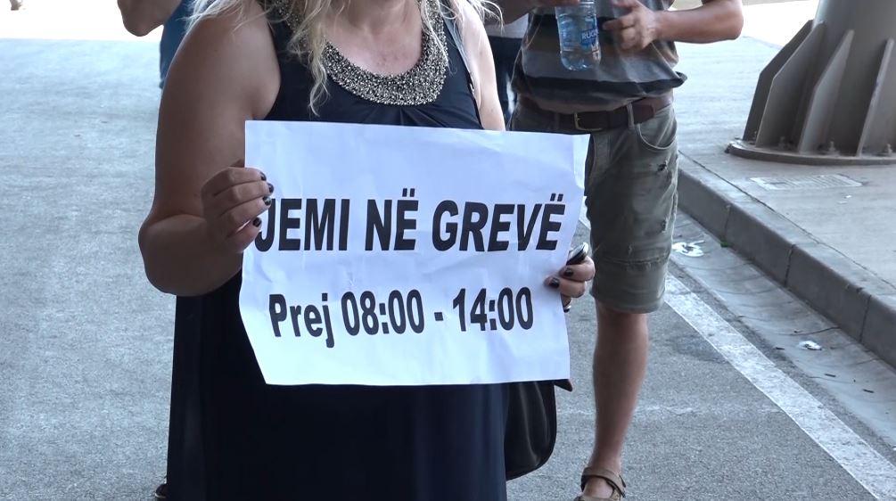 Kosovë, grevë në aeroportin e Prishtinës