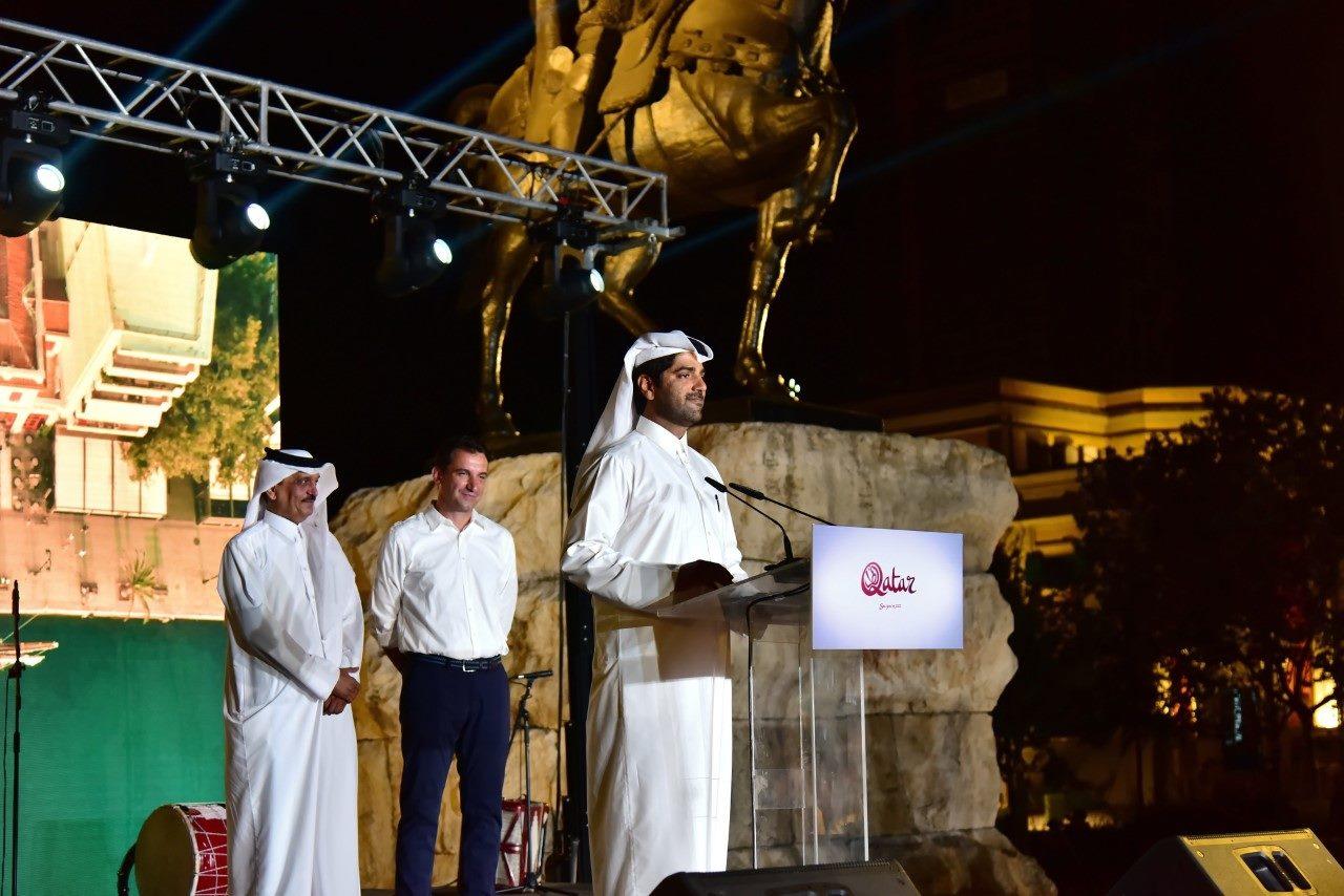Tirana mikpret me koncert ekuipazhin e anijes me vela nga Katari