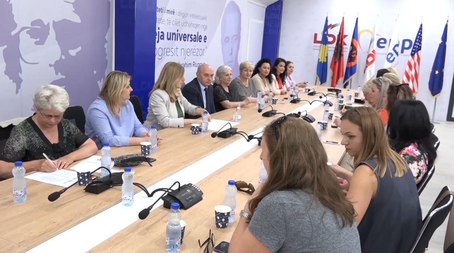 Në mesnatë skadon afati për regjistrimin e koalicioneve parazgjedhore në Kosovë