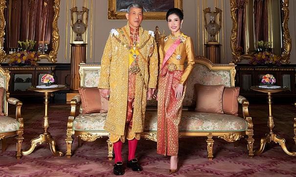 Publikohen fotografitë e gruas së mbretit të Tajlandës, bllokohet faqja e internetit