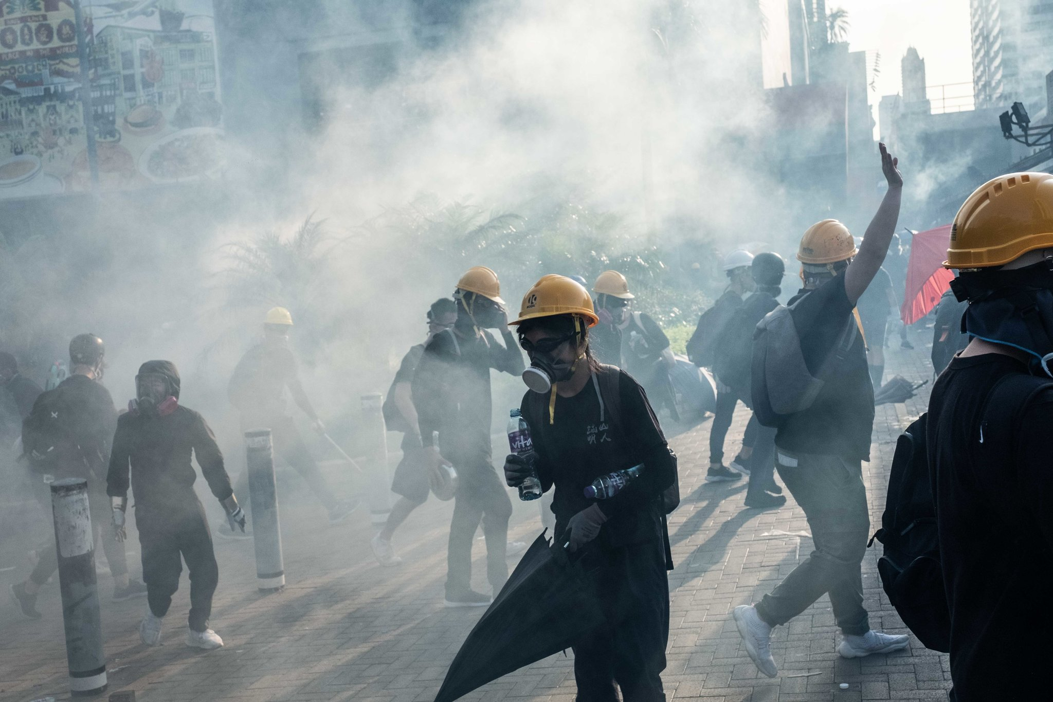 Hong Kong, pas protestave vijnë grevat masive