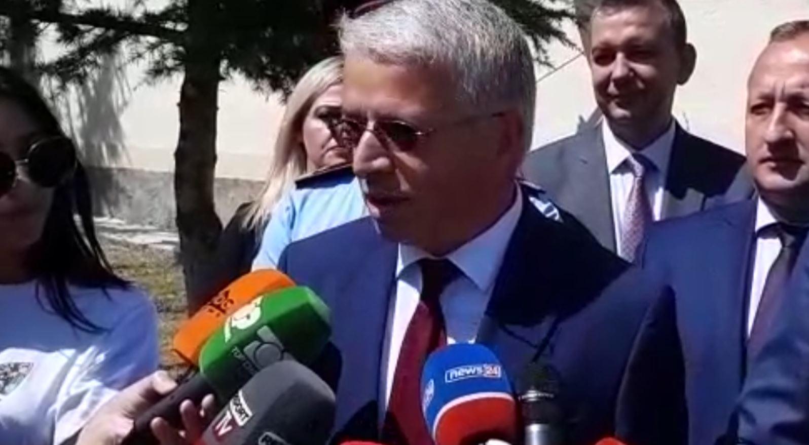 Lleshaj pas takimit me homologun maqedonas në Pustec: Vendimi për negociatat për dy vendetmerret në tetor