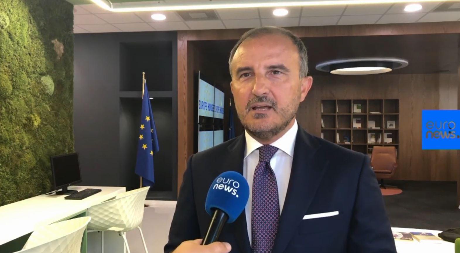 Ambasadori i BE në Tiranë kërkon angazhim politik: Shqipëria të jetë gati për 15 tetorin