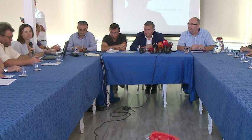 Mali i Tomorrit, Klosi: Do ta rishpallim zonë të mbrojtur