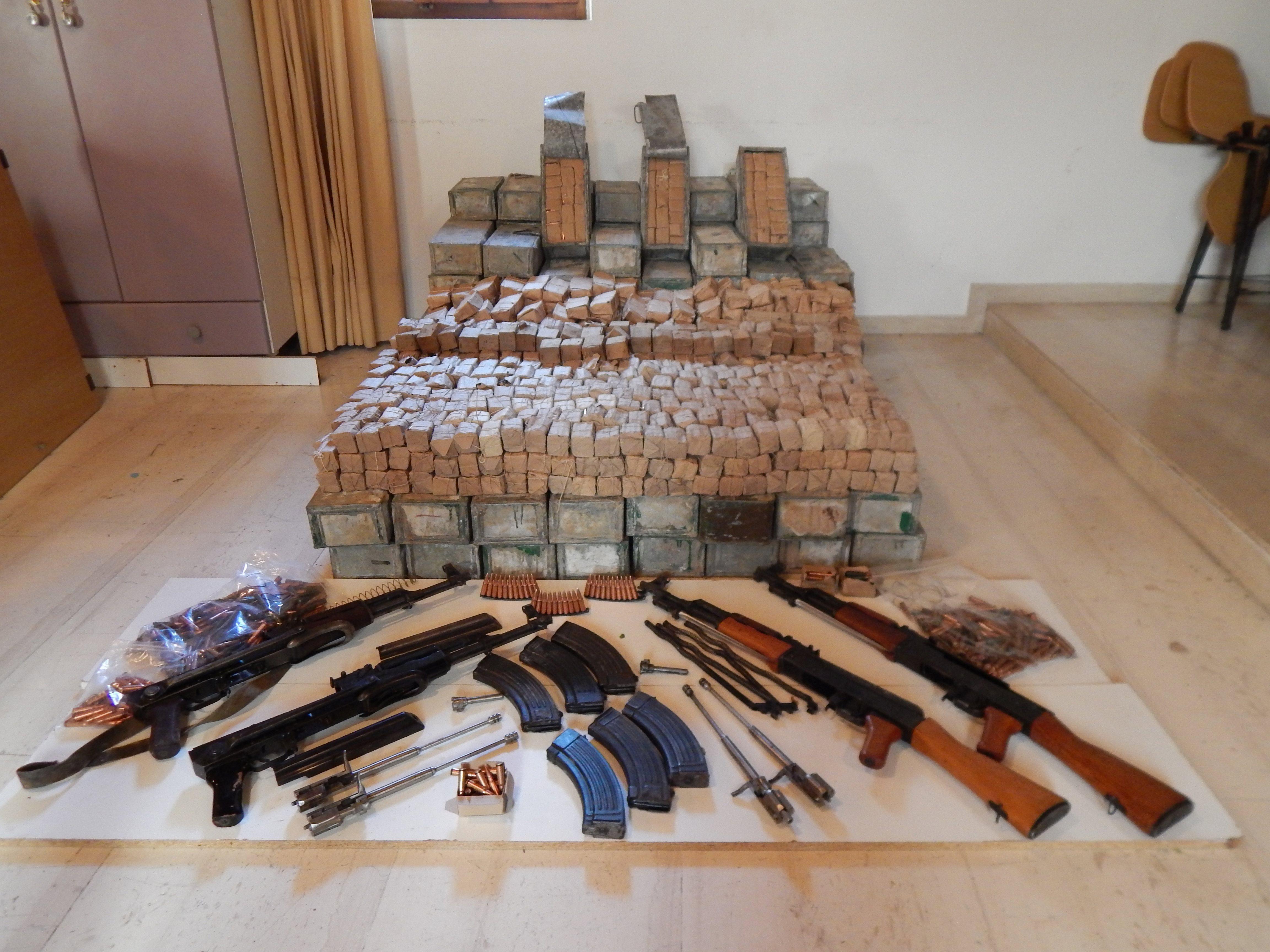 Armë në aksin Shqipëri-Greqi, 6 të arrestuar në vendin fqinj