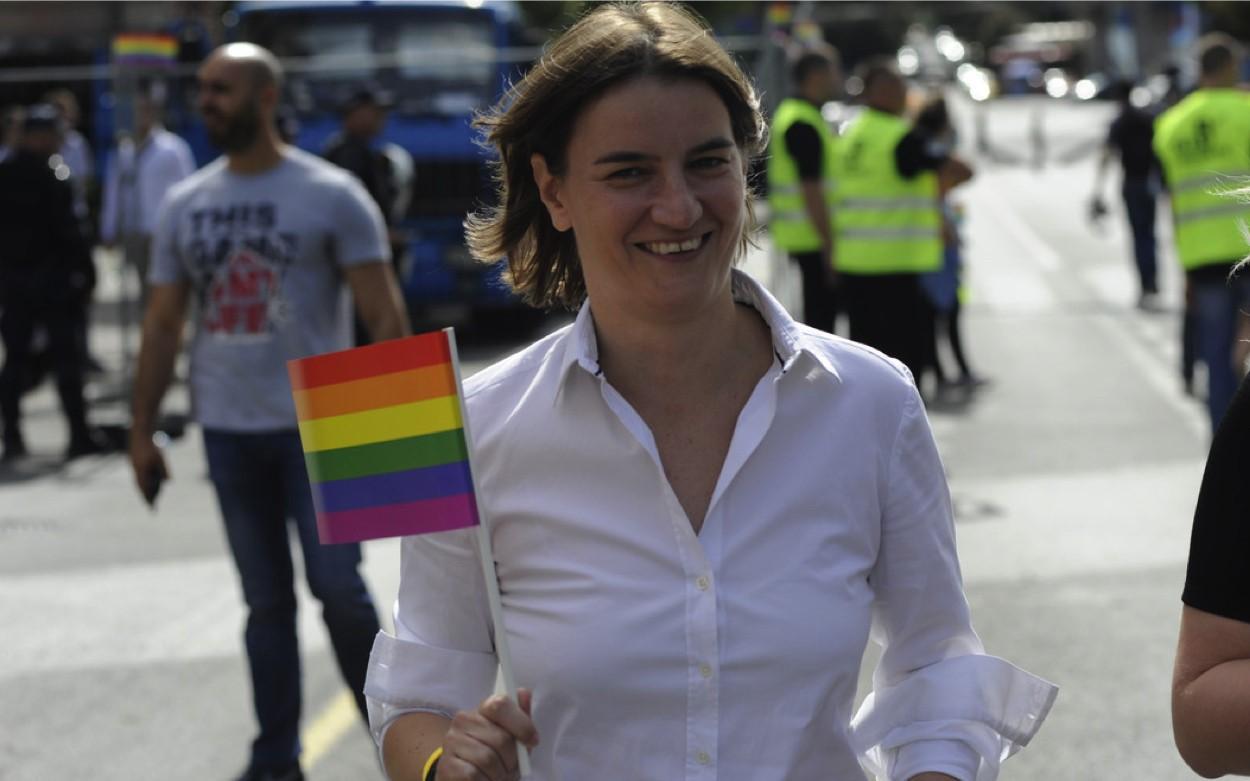 Parada homoseksuale në Serbi, kryeministrja Brnabiç: Mesazh për paqe dhe tolerancë
