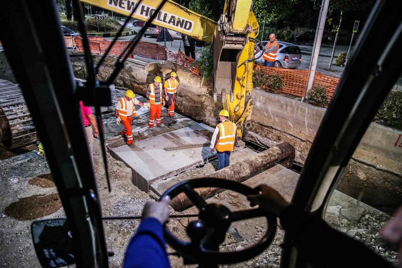 Astiri me rrjet të ri ujësjellësi, Veliaj: Mos blini ujin e autoboteve, përbën rrezik