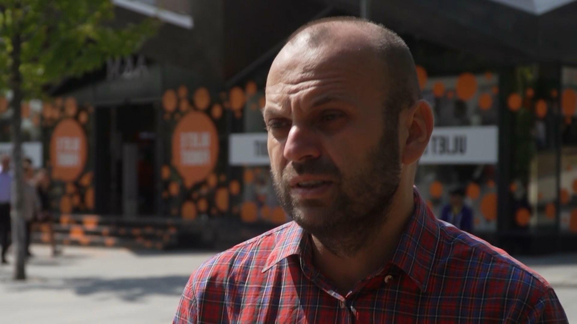 Analistët në Kosovë: Vizitat e zyrtarëve ndërkombëtarë, sinjal i mirë