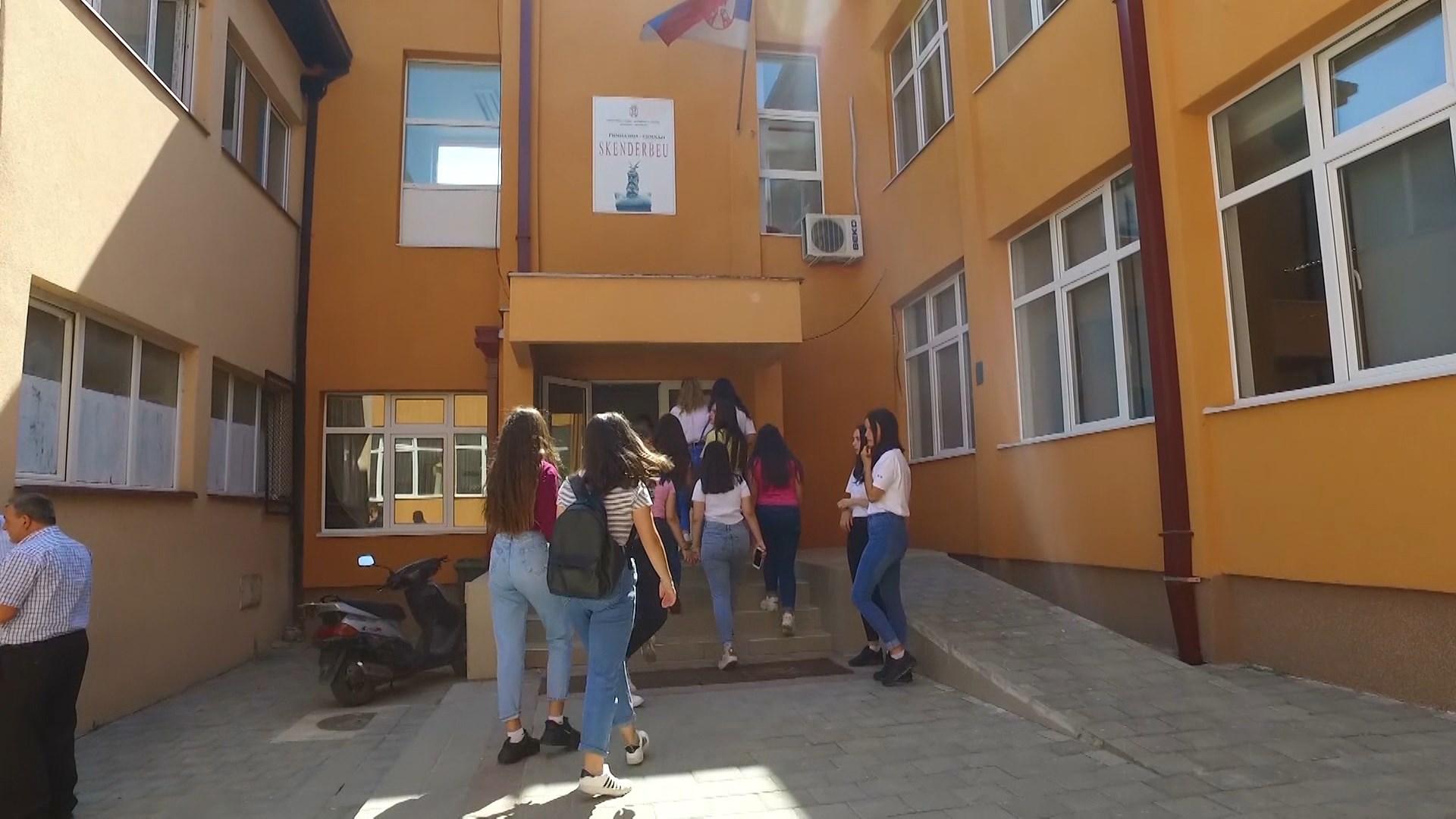 Nxënësit shqiptarë në Luginën e Preshevës mësojnë ende pa libra shkollorë