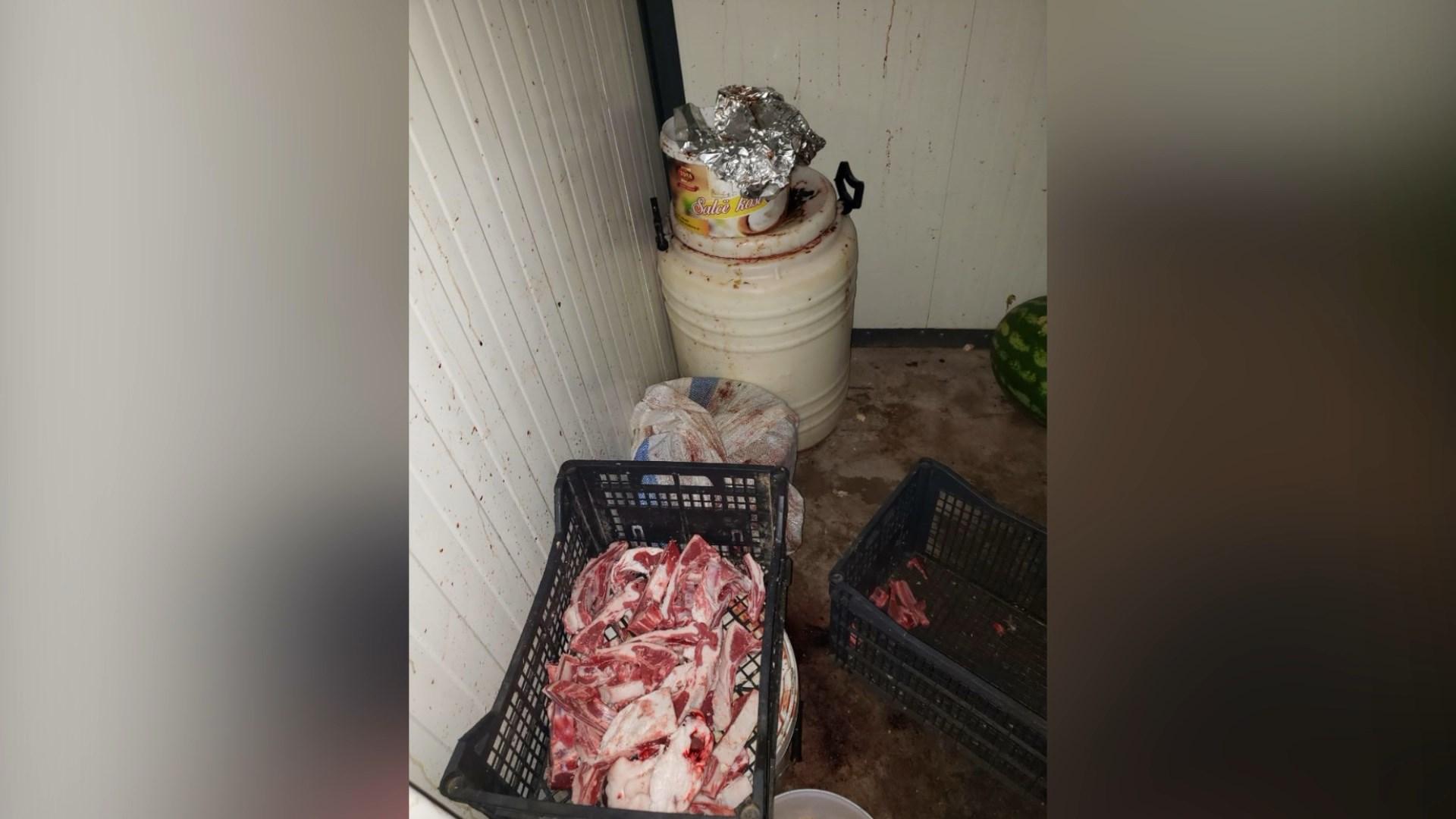 AKU bllokon dhjetra kg mish të pasigurt në Korçë