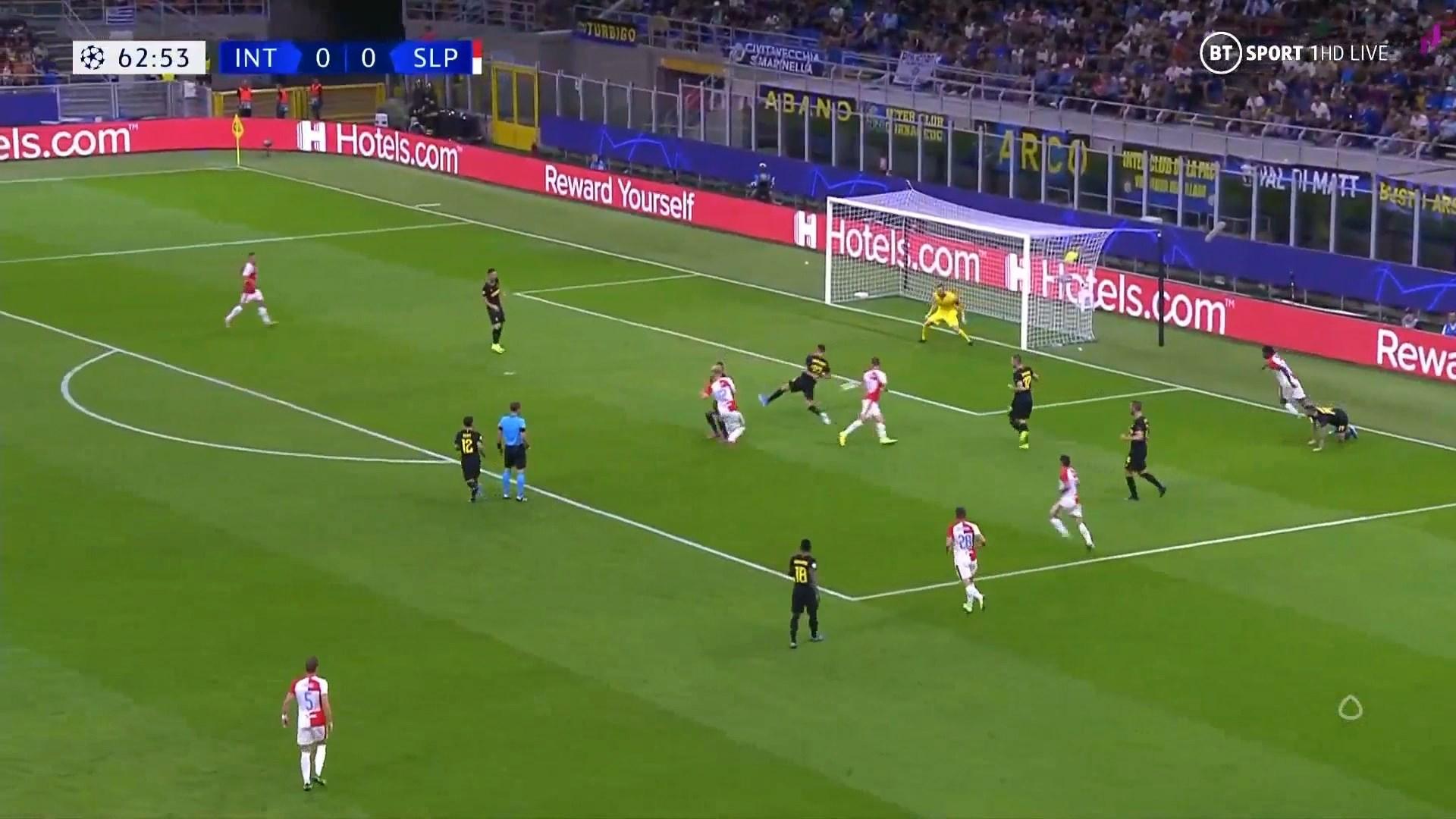 Peter Olainka, nga Ballshi tek goli në Champions