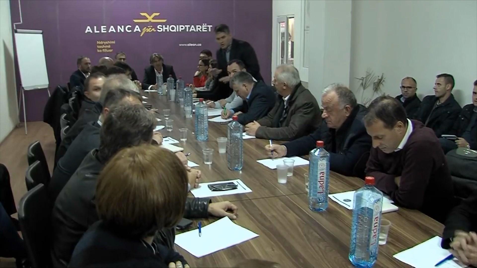 Partitë shqiptare në Maqedoninë e Veriut reagojnë pas takimeve të Zaev me opozitën