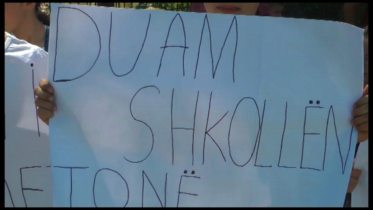 PROTESTA-SHKOLLA-PEQIN_ABC-M2-T1.mpg_snapshot_00.13-1280x720.jpg