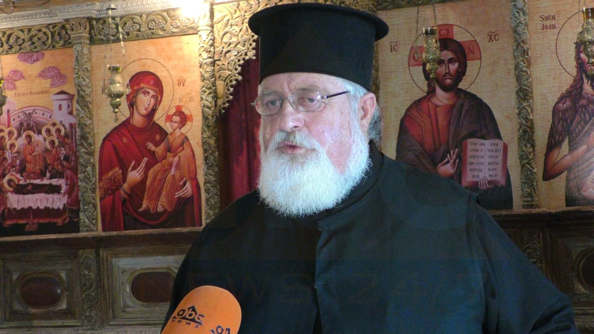 Besimtarët nuk hyjnë dot në Kishën e Apollonisë, tarifohen si gjithë vizitorët