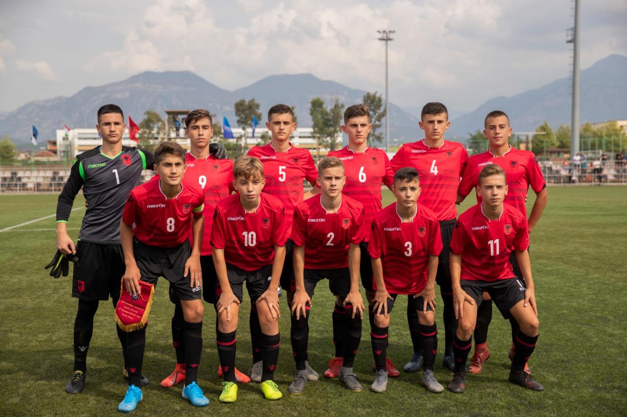 Shqipëria U-15 mposht Taxhikistanin me përmbysje, triumf dhe për Kosovën