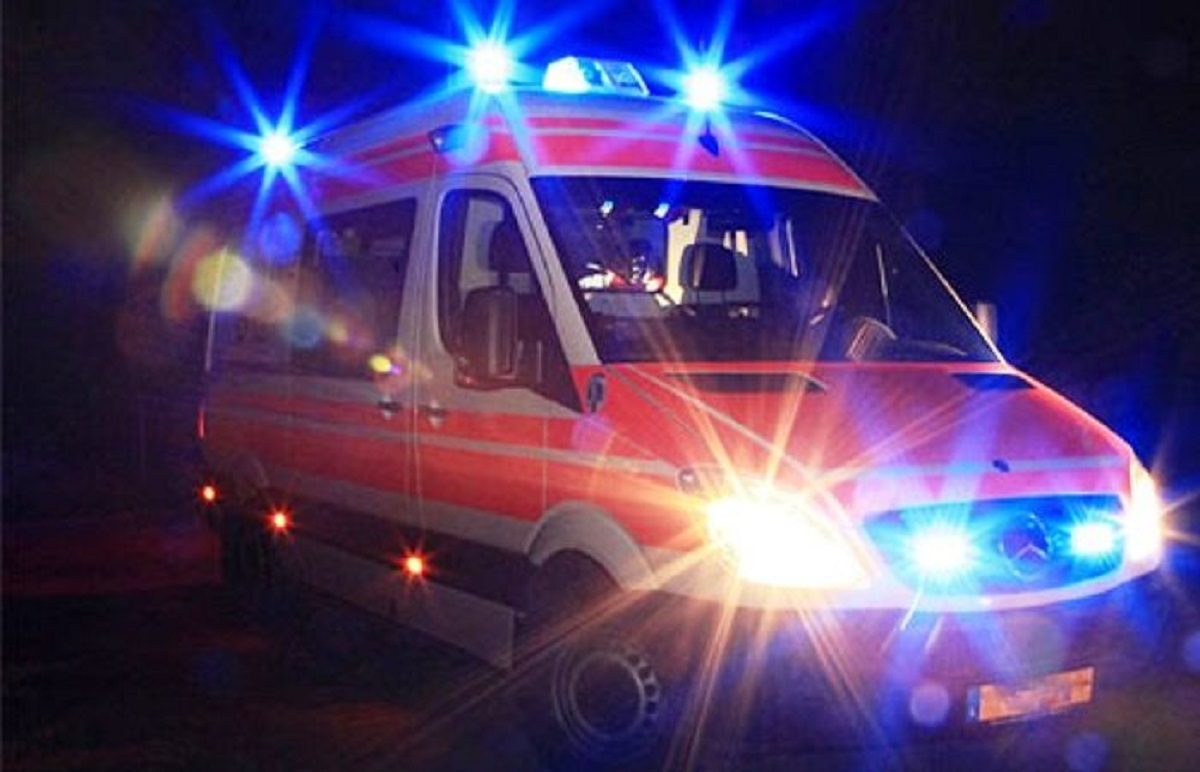 ambulanza-notte-699x450.jpg