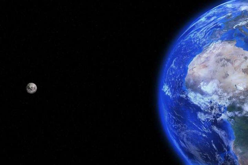 """Ideja e pabesueshme, """"ashensor"""" për të lidhur Tokën dhe Hënën"""