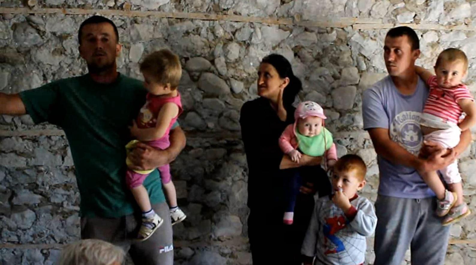 Qafëzez, banorët e prekur nga tërmeti ankohen për vlerësimin e dëmeve