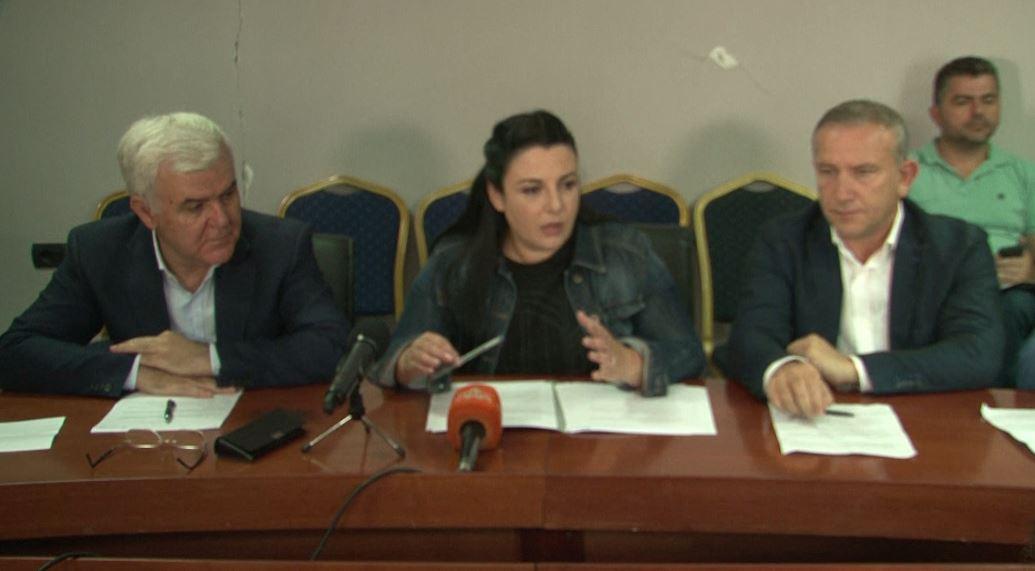 Ministrja Balluku mbledh shtabin e emergjencave në Vorë
