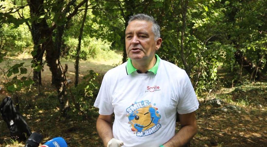 Klosi: Brenda vitit 2020 nuk do ketë me prodhim të qeseve plastike në Shqipëri