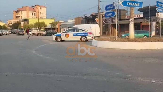 Aksident në Durrës, humb jetën drejtuesi i motorit