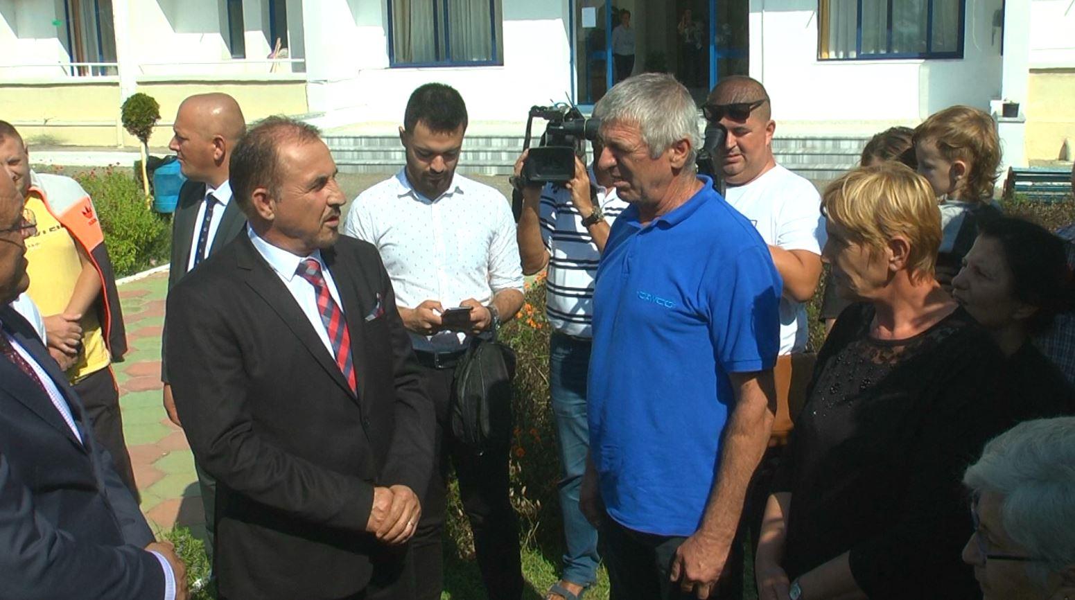 Ministri i brendshëm i Kosovës: Gati të dërgojmë ndihma për të prekurit nga tërmeti